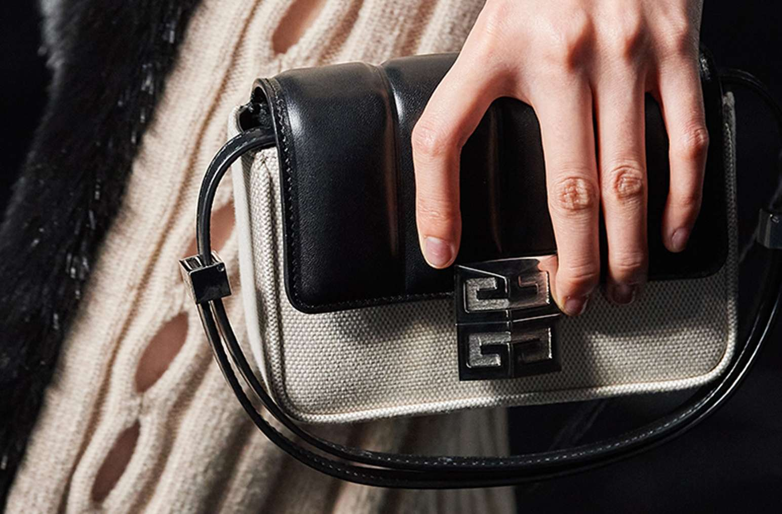 4GGivenchy_0001_Givenchy-F21-052_0001_CLP_134